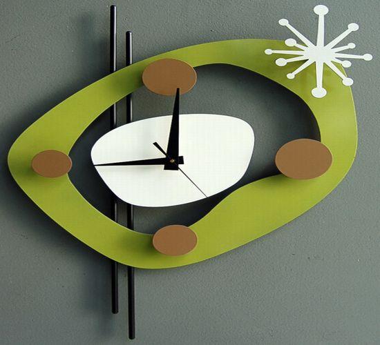 09 june clock green2005 07 01
