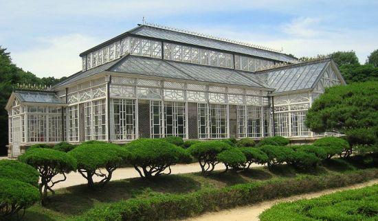 800px glass house oblique seoul korea