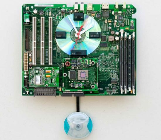 apple g3 recycled motherboard clock 1