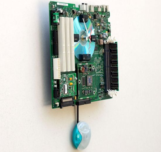 apple g3 recycled motherboard clock 2