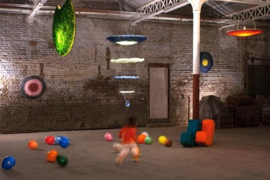 awesome glass light sculptures by loemen 1 554x370
