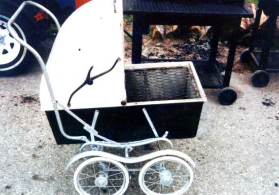 baby carriage pit