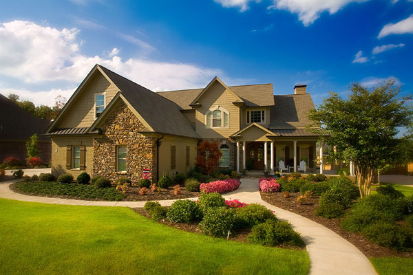 10 tips to improve marketplace value of your home hometone for Beautiful home photos