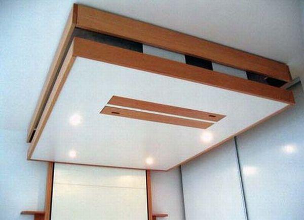 кровать на потолке