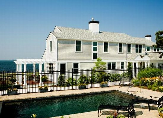 butler point mansion