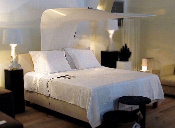 Canopi Bed