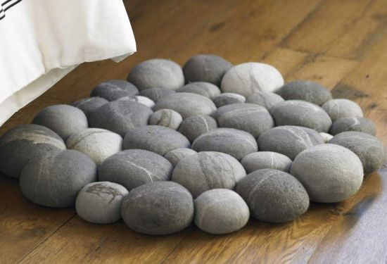 clustered felted stone mat 1