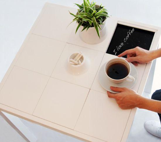 communicative coffee table1