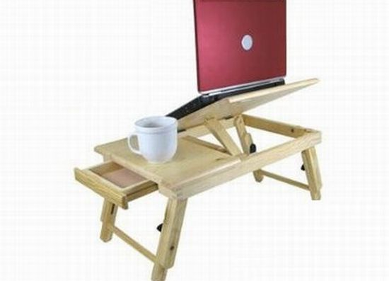 Adjustable puter Laptop & bed desk lets you relax while