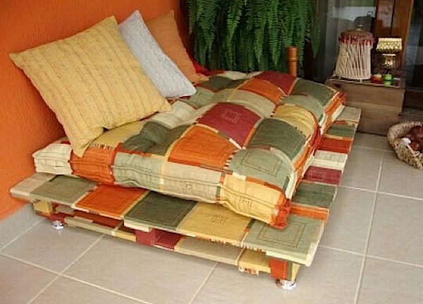 Country Sofas Made from Used Shipping Pallets