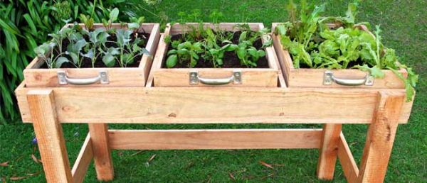 DIY salad bench
