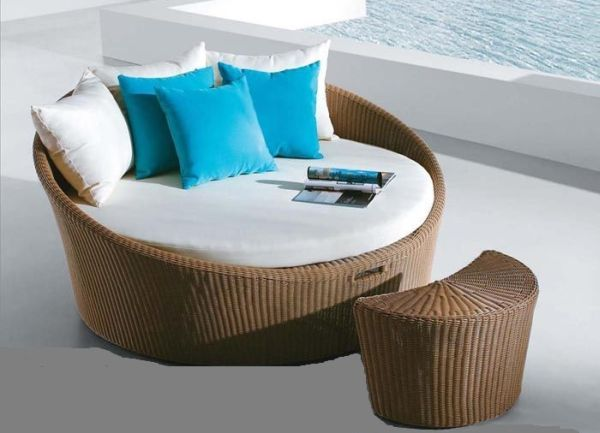 round garden sofa set is a very neat and compact round shaped