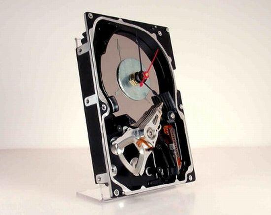 hard drive desk clock1
