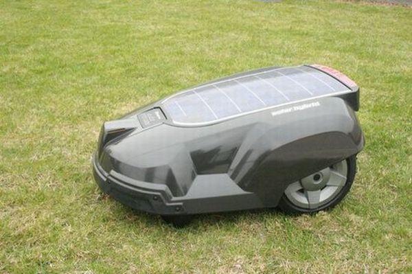 Husqvarna Automatic solar-powered lawnmower