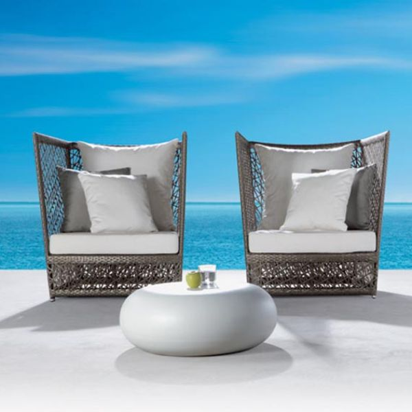 Striking modern outdoor furniture hometone for Modern garden furniture