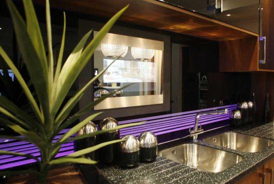 kitchen splashback tv