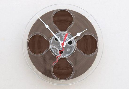magnetio tape reel clock