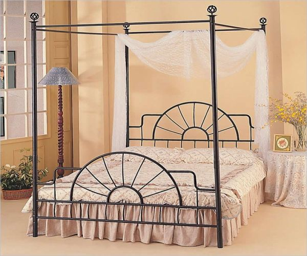 Newcastle Full Cast-Iron Metal Canopy Bed