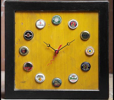 pallet art clock