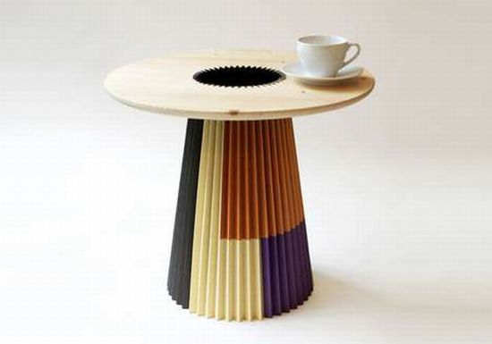 Paper and wood transformed into a good-looking table