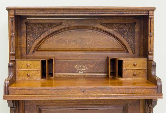 piano desk 1