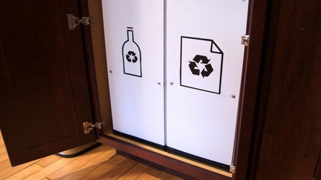 Recycling organizer