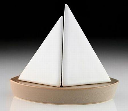 sailboat salt and pepper shaker2