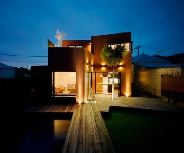 Seven sustainable lights for your garden