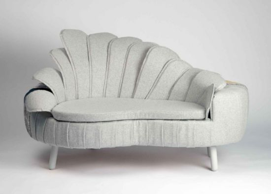 split perdsonality sofa 2