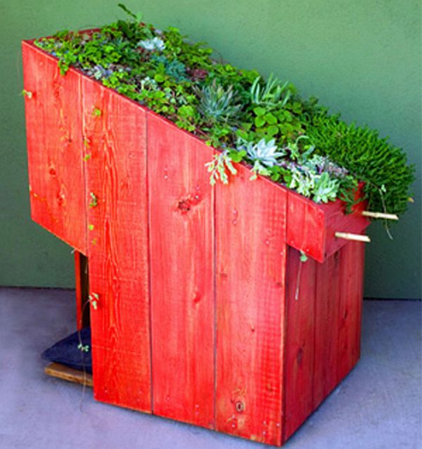 Sustainable pet house