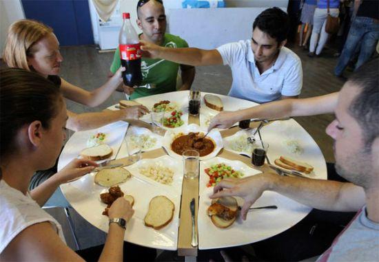 table set elad kashi1