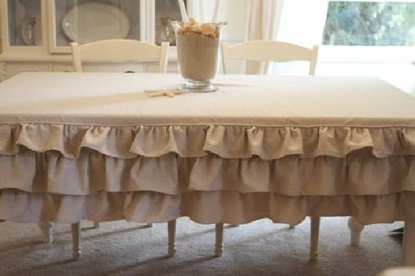 Tables and tablecloths