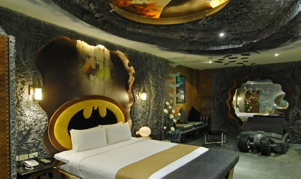 The Dark Knight Rises in a motel