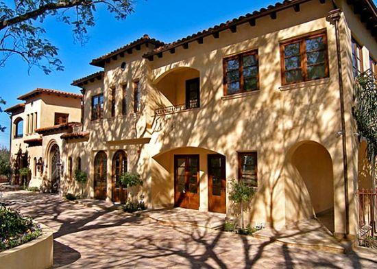 tuscan styel mansion