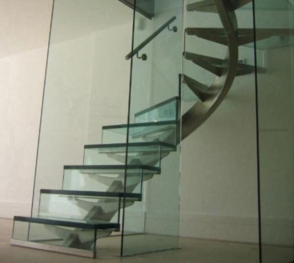 Twisting beam with glass