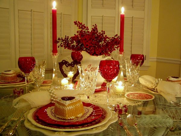 Romantic Valentines Day dining table decoration ideas  : v day table 3veWsq37641 from drprem.com size 600 x 450 jpeg 54kB