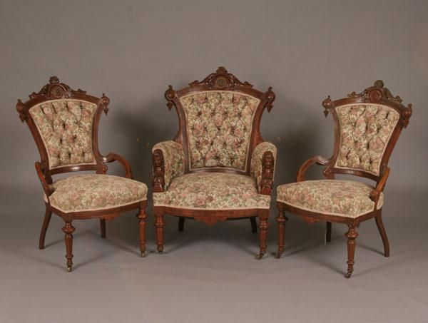 Your own Encyclopedia of Victorian Furniture Hometone