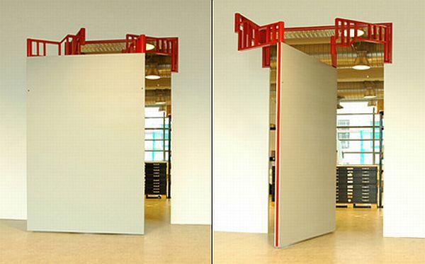 Walls in Motion door