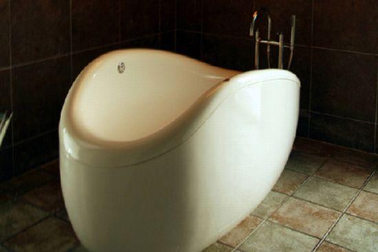 white spa hug soft bathtub