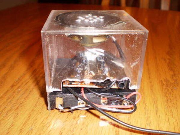 Cube Loud Speaker