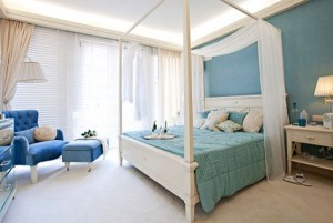 Bedroom_Decor_On_A_Budget_Spring_Decorating_Ideas_blue_white