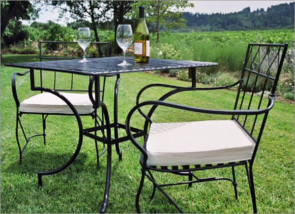 Wrought-Iron-Outdoor-Furniture2