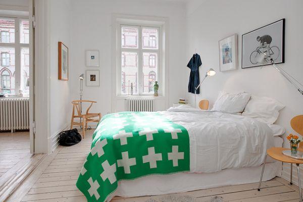 renovated-heirloom-apartment-original-details-modern-decor-bedroom-thumb___