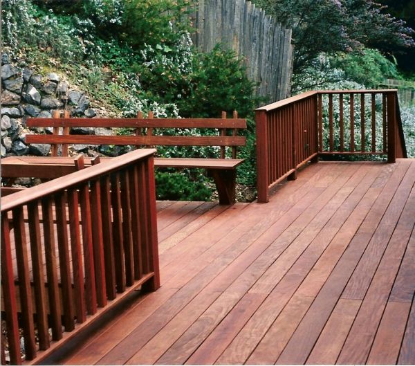 Ipe deck with Ipe railing system and built-in Ipe benches