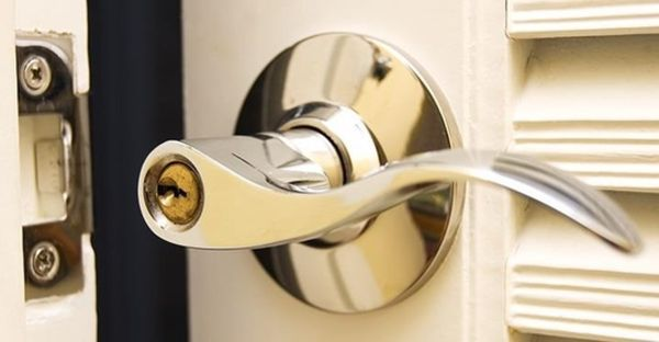 open-door-lock-without-key-15-tips-for-getting-inside-car-house-when-locked-out.1280x600