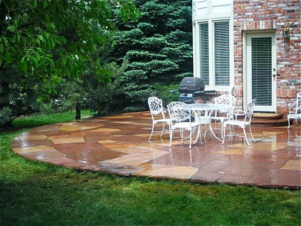 Red-and-White-Buffed-Flagstone-Patio