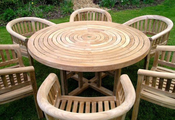round-table-outdoor-furniture-301