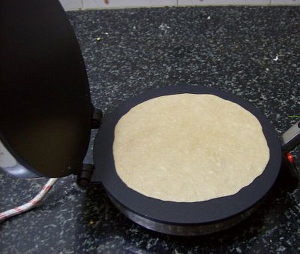 how to make dosa in roti maker