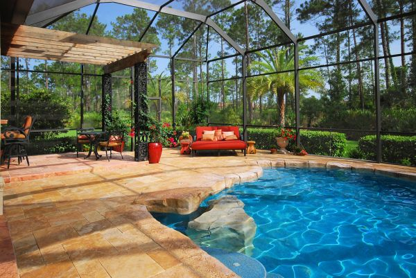 Bring Outdoor Oasis to Your Backyard_2