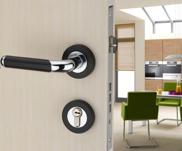 Choose the Right Lock to Compliment Your Home Security System_1